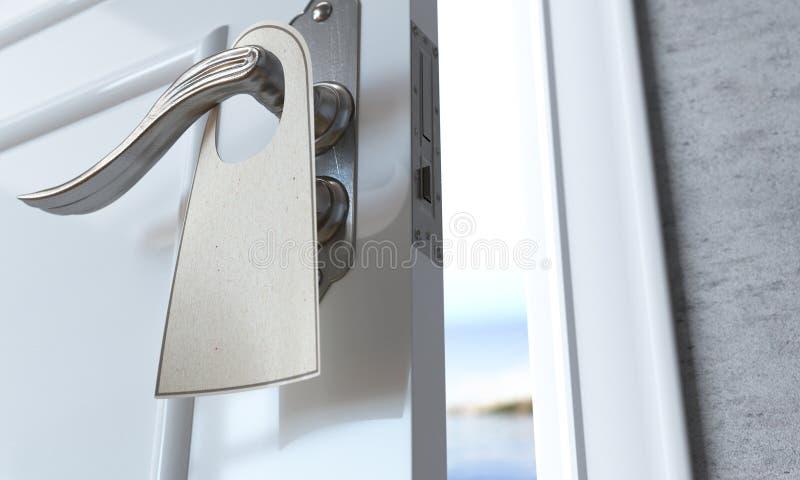 öppen dörr med tom broshurereklambladframgång och lösningsbegrepp royaltyfri fotografi