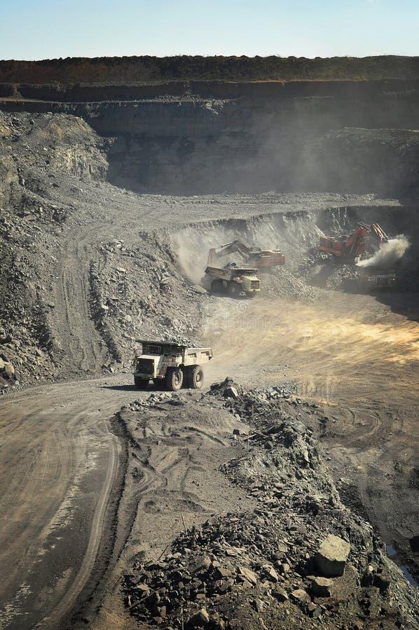 öppen grop för kolgruva arkivbild