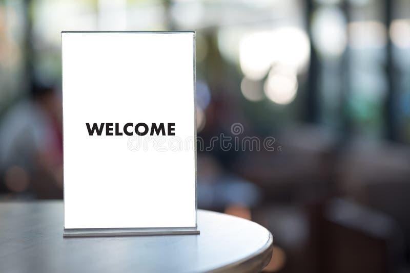 Öppen välkomnande för VÄLKOMMEN begreppskommunikationsaffär till laget royaltyfria foton