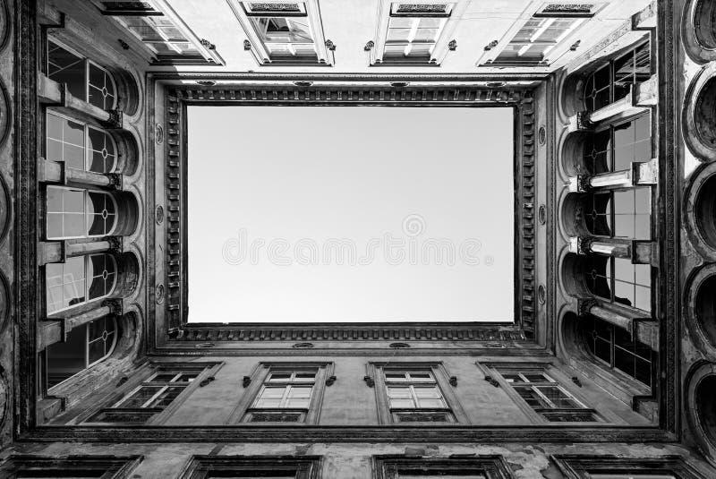 Öppna borggården i Budapest arkivbilder