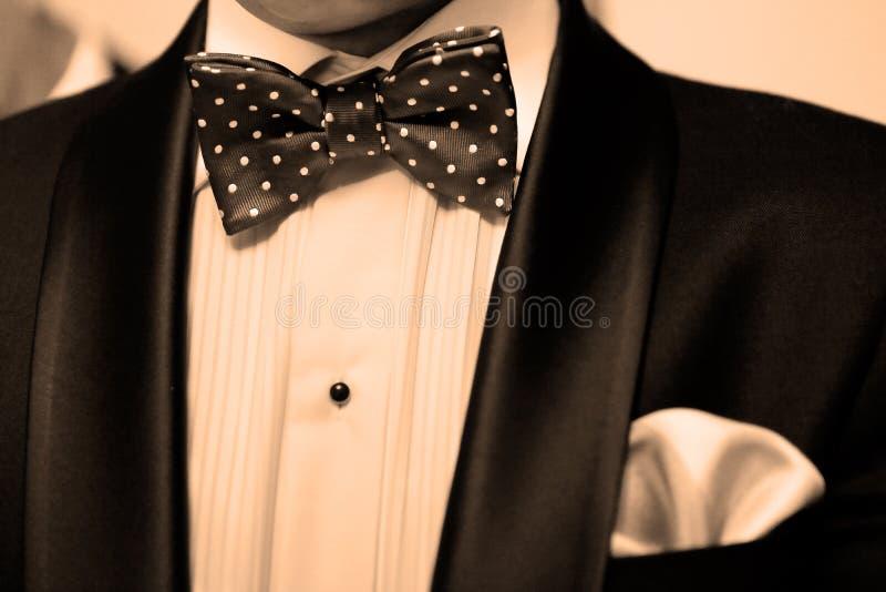 Öppna garderoben och smokingen royaltyfria foton