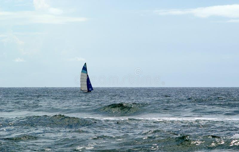öppna seglingvatten royaltyfria bilder