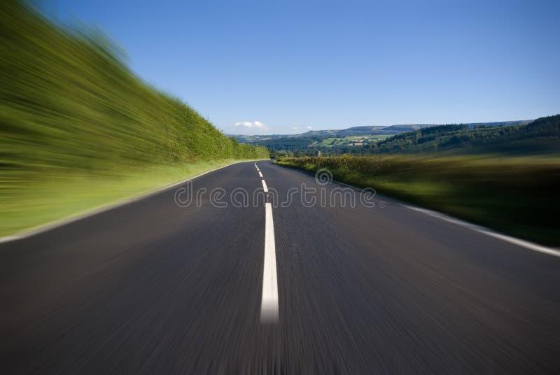 Öppna vägen och huvudvägen royaltyfri bild