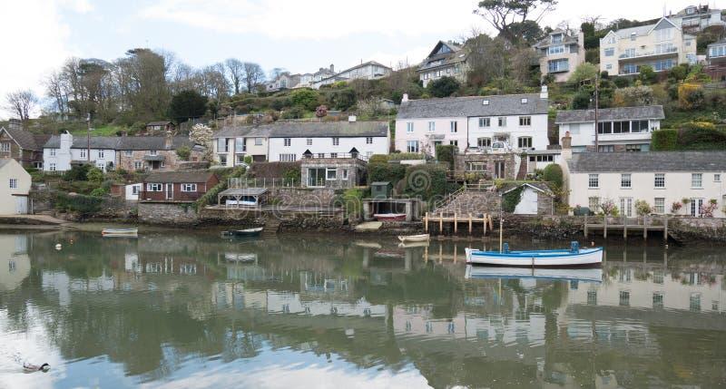 Öppning av Newton Creek, Noss Mayo, Devon, UK arkivfoton