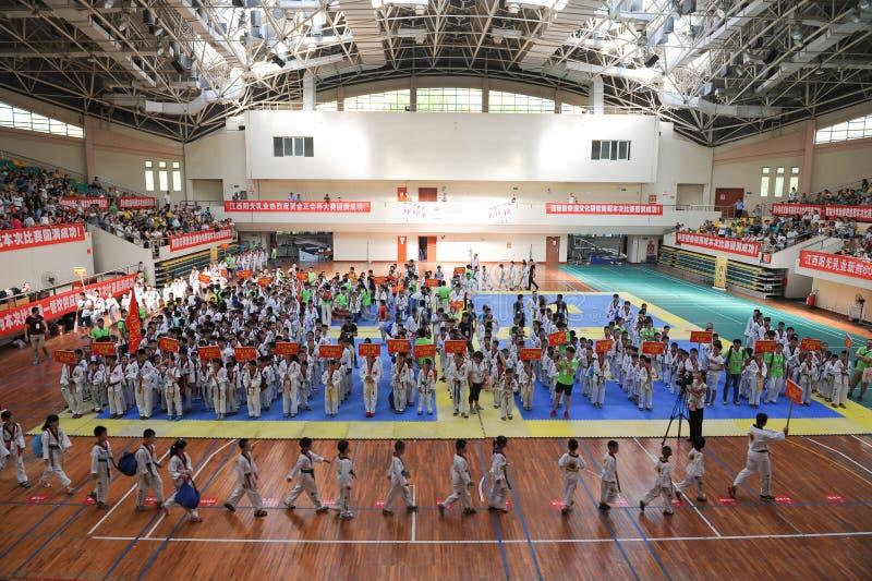 Öppningscermoni--Den sjunde konkurrensen för GoldenTeam koppTaekwondo vänskapsmatch arkivbilder