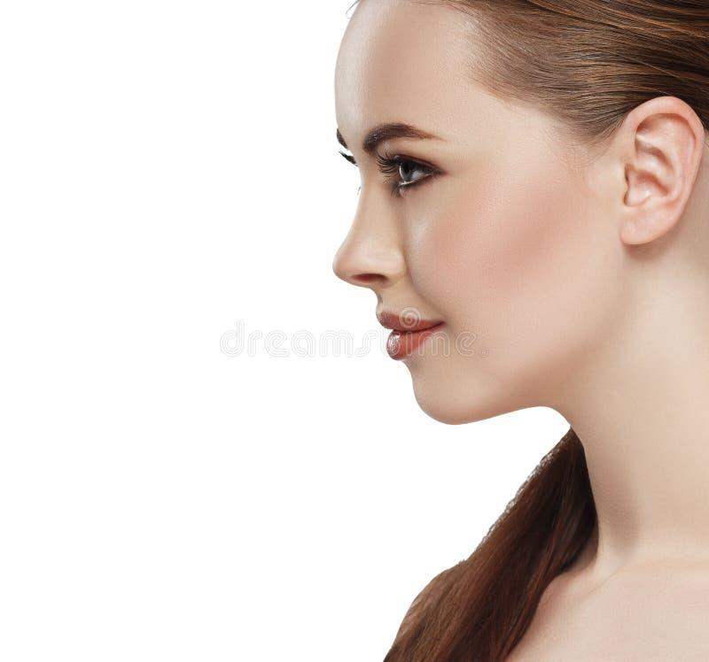 Öra för hals för framsida för hud för profilkvinnaskönhet royaltyfria foton