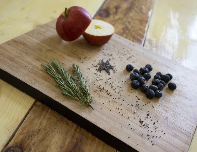 Örter och frukt arkivfoton