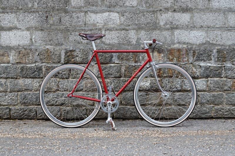 Örtlich festgelegtes Gangfahrrad - Fixie Fahrrad lizenzfreie stockfotografie