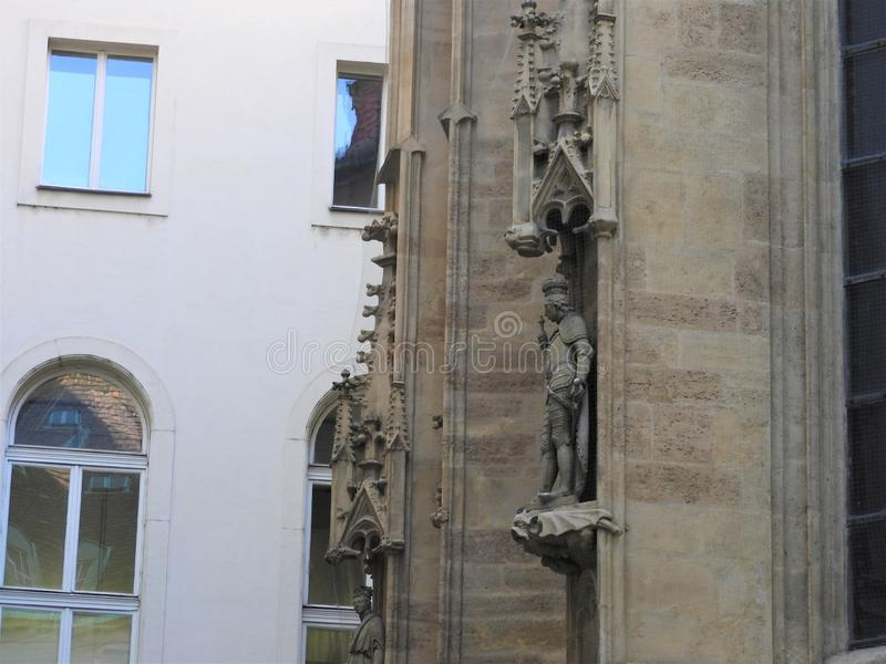 Österreich, Wien, vorzügliche Architektur von Steinwänden von Gebäuden lizenzfreie stockfotos