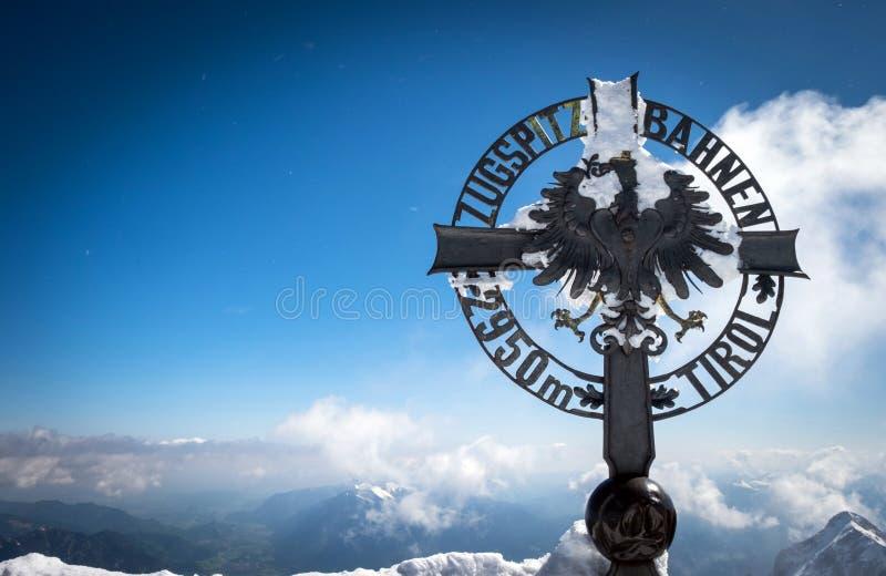 Österreichische Grenze und Spitze von Deutschland stockbilder