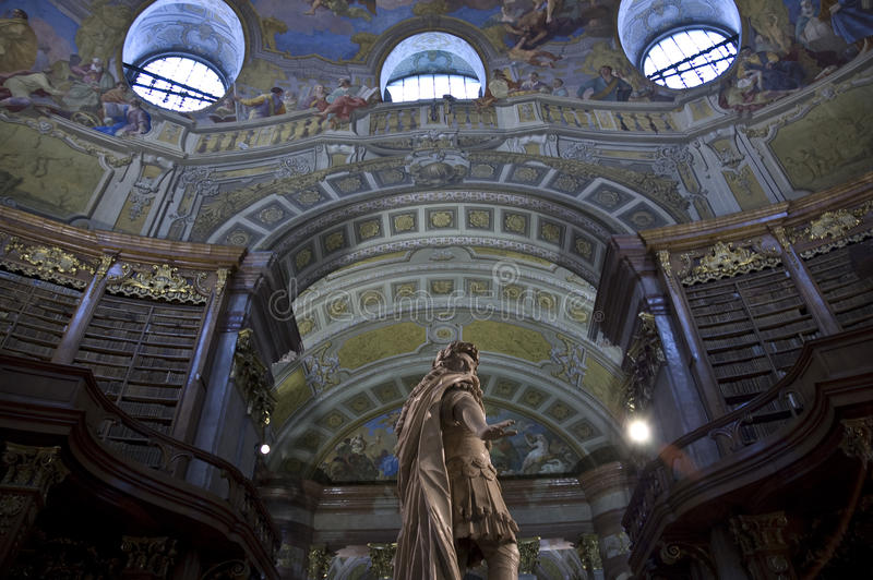 Österreichische Nationalbibliothek in Wien stockfotos