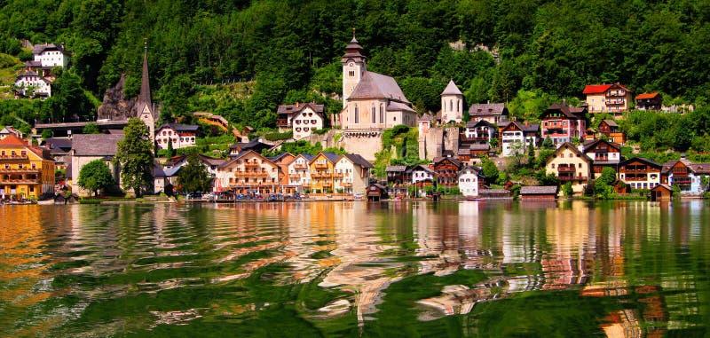 Österreichisches Dorf lizenzfreie stockfotografie