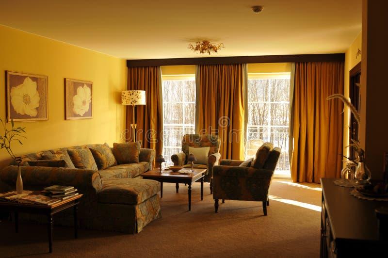 Österrike: En av den älskvärda vardagsrummet i det storslagna hotellet royaltyfri bild