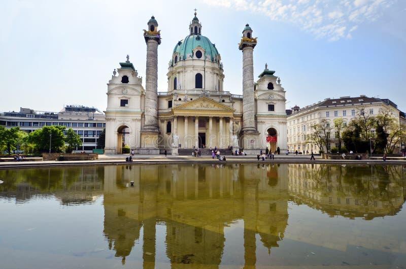 Österrike Wien, Karlskirche royaltyfria foton