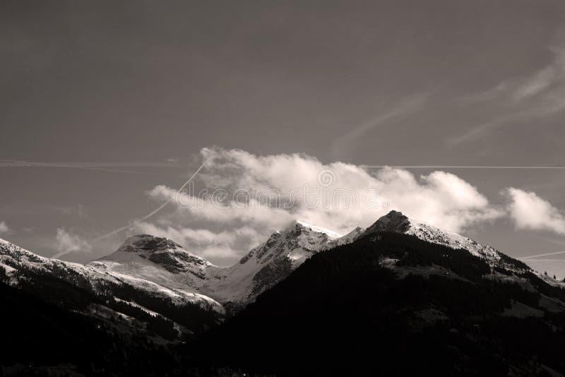 Österrikiska berg, härligt landskap royaltyfria bilder