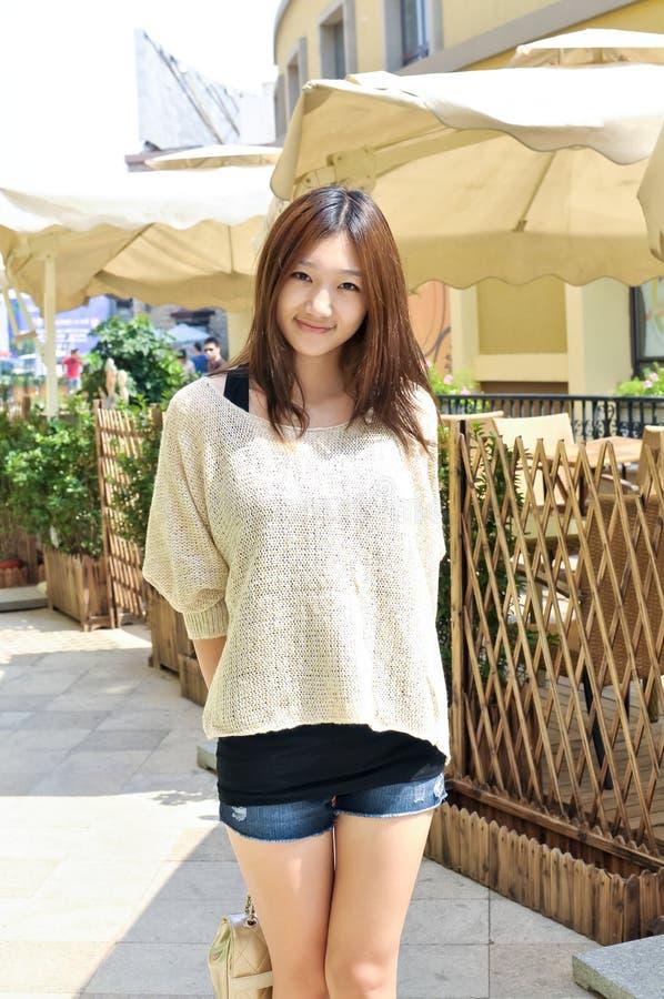 Östlig asiatisk flicka för mode arkivfoto