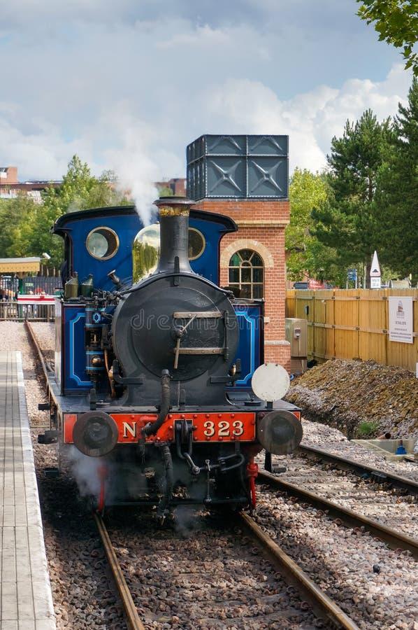 ÖSTLIG GRINSTEAD, VÄSTRA SUSSEX/UK - SEPTEMBER 8: Blåklockaångaen royaltyfria bilder