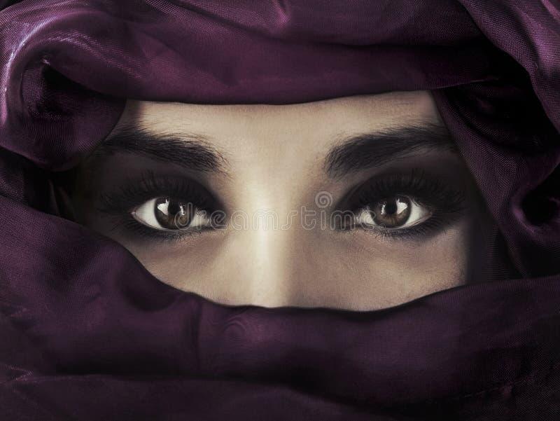 östlig kvinna arkivfoton