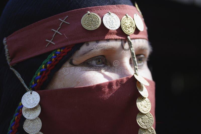 östlig medelkvinna arkivbild
