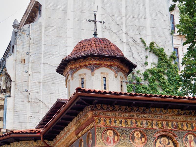 Östlig ortodox kyrka, Bucharest, Rumänien fotografering för bildbyråer