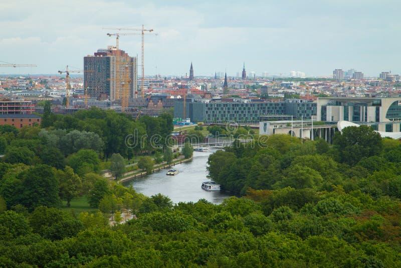 Över Berlin royaltyfria bilder