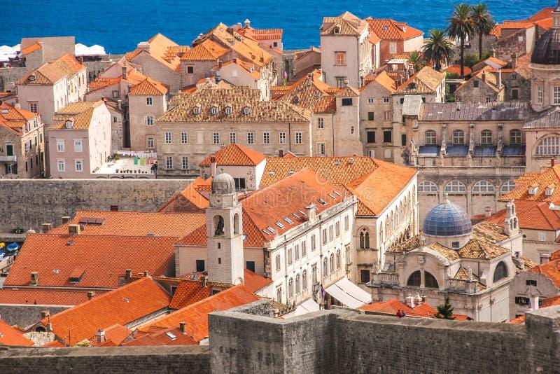 Över den gamla staden av Dubrovnik arkivfoto