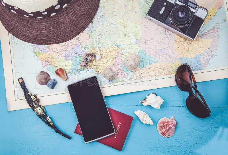 Över huvudet sikt av planet för lopp för tillbehör för handelsresande` s, tursemester, turismmodell Instagram som ser bild av det arkivfoton