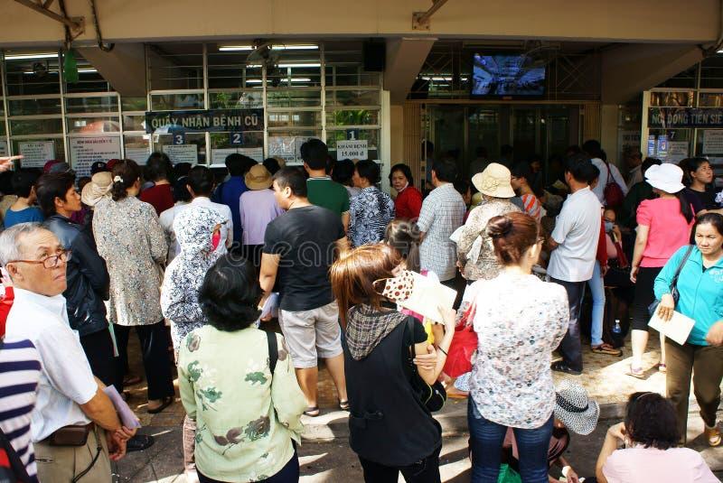 Överbelastning på det Asien sjukhuset arkivbilder