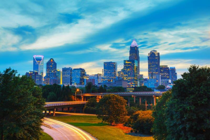 Överblick av i stadens centrum Charlotte, NC royaltyfri bild