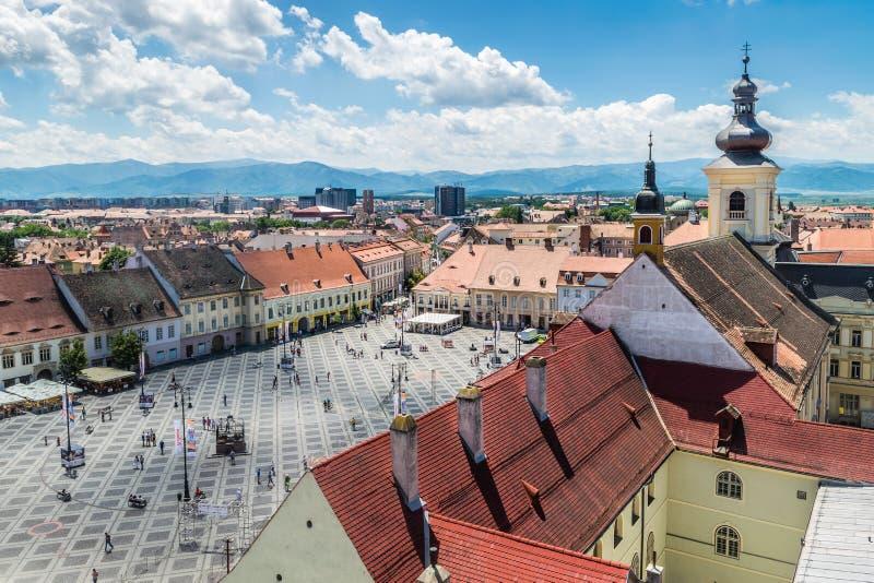Överblick av Sibiu, sikt från över, Transylvania, Rumänien arkivfoton