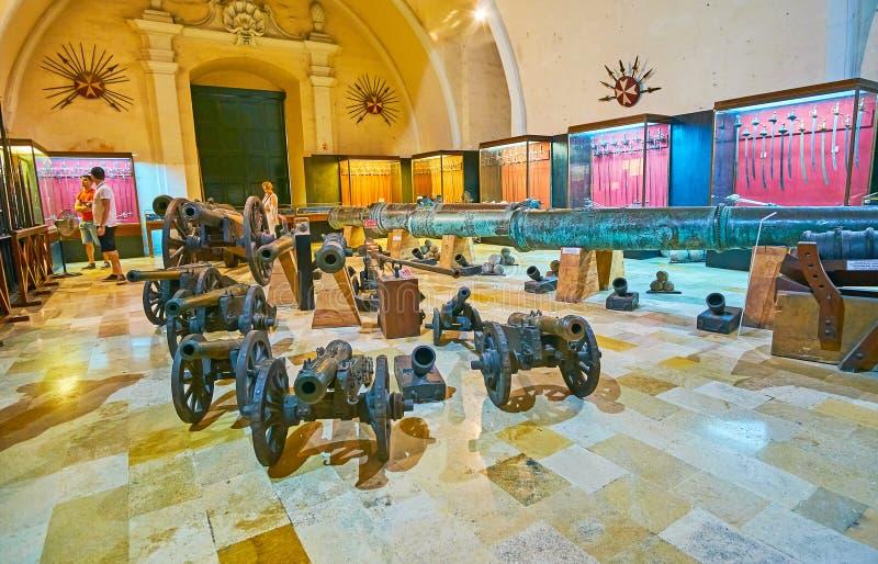 Överblick slottarmouryen av slotten för Grandmaster` s i Valletta, fotografering för bildbyråer