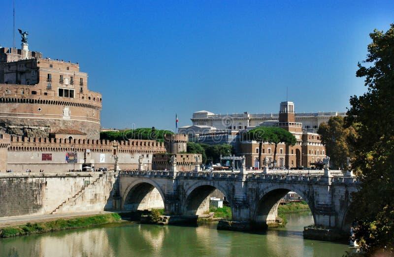 Överbrygga Elio och rockera Sant Angelo, Rome Italien fotografering för bildbyråer