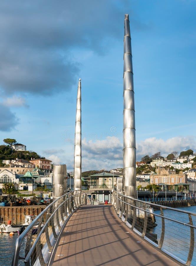 Överbrygga på Torquay den inre hamnen royaltyfria foton