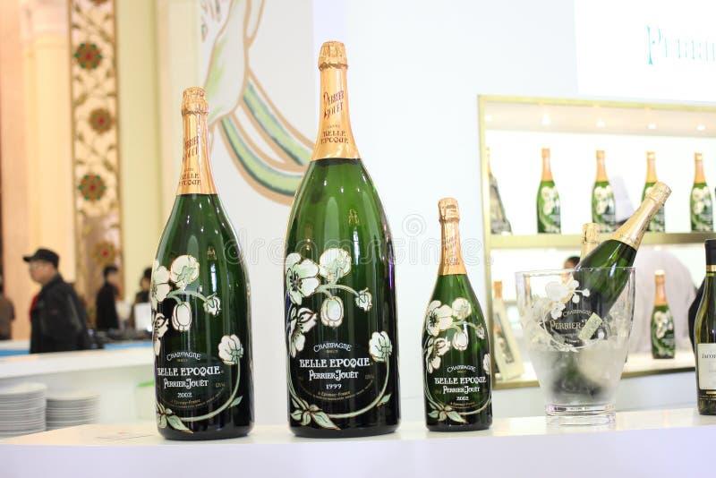 Överdimensionerad champagne royaltyfri foto