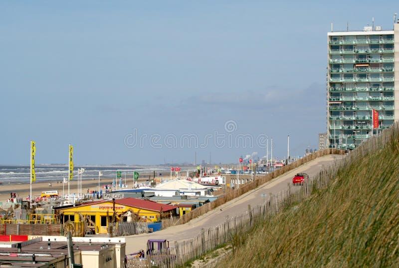 Övergav terrasser på en tom strand royaltyfria foton