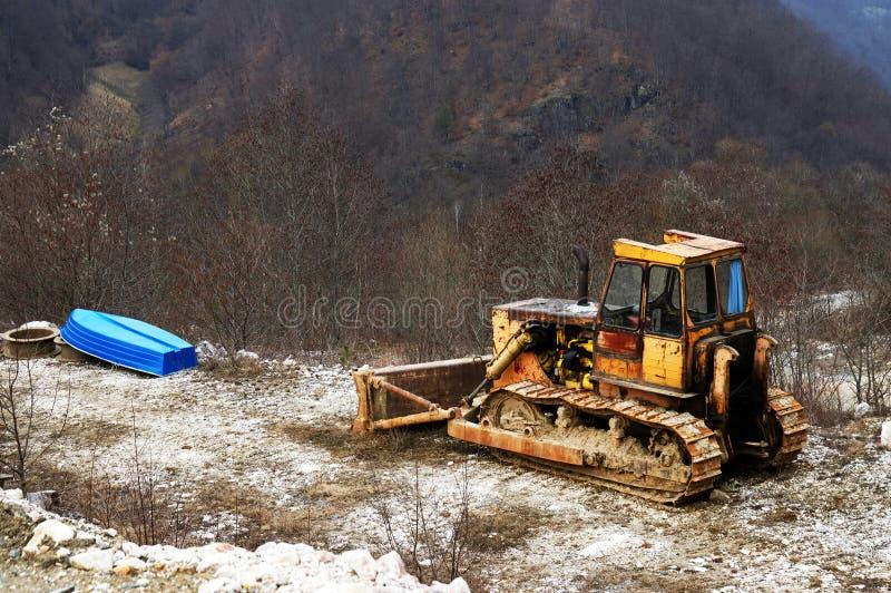 Övergiven bulldozer arkivfoto