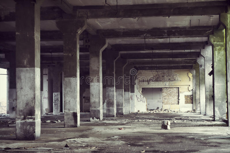 Övergiven industribyggnadinre royaltyfri fotografi