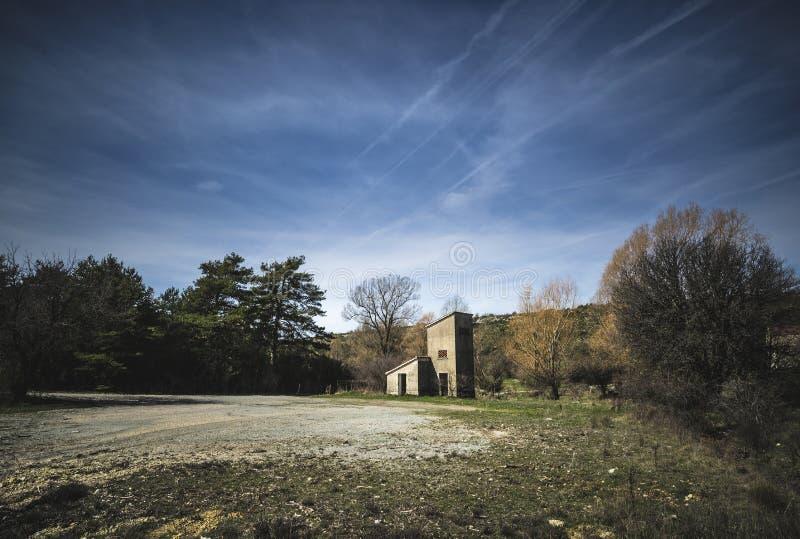 övergiven lantgård arkivfoton