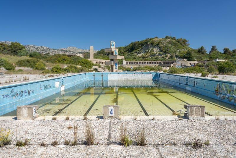 Övergiven lido på Rhodes, Grekland royaltyfria bilder