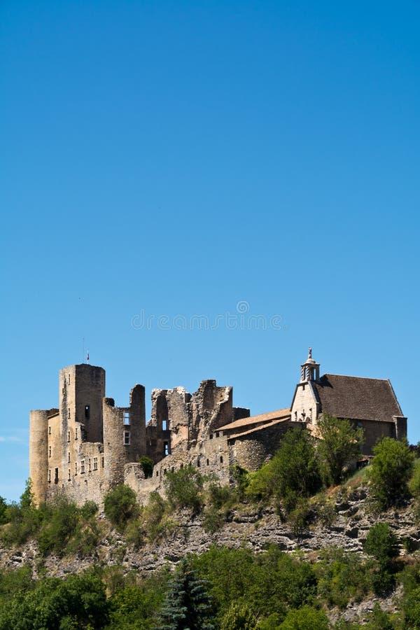 Övergiven medeltida slott i Provence fotografering för bildbyråer