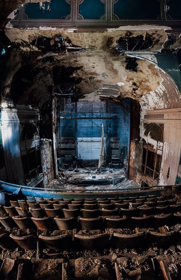 Övergiven Paramount teater - Youngstown, Ohio fotografering för bildbyråer