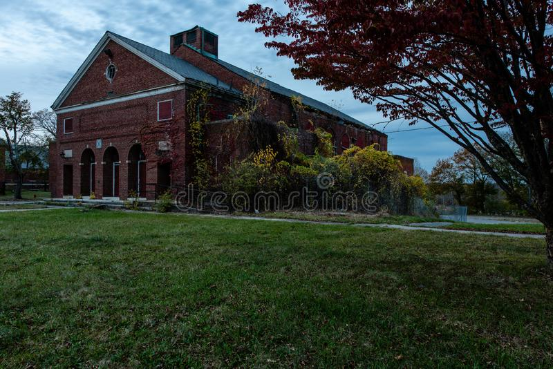 Övergiven salong - övergett Westboro tillståndssjukhus - Massachusetts royaltyfri fotografi