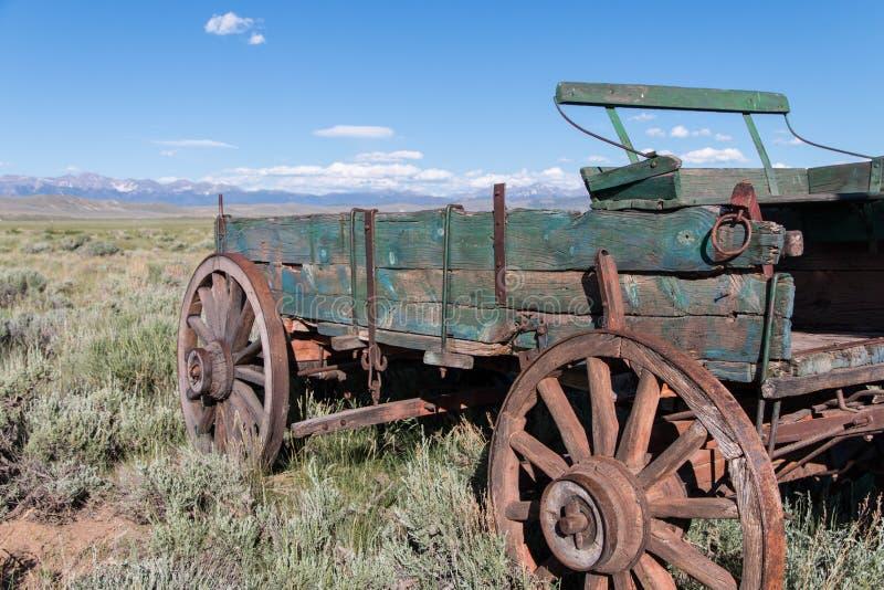 Övergiven vagn av det västra arkivfoto