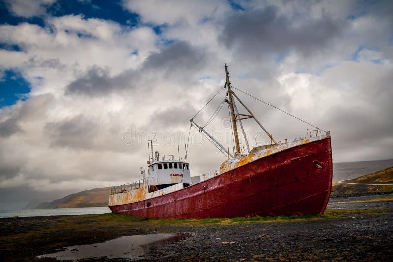 övergivet skeppsbrott arkivbild