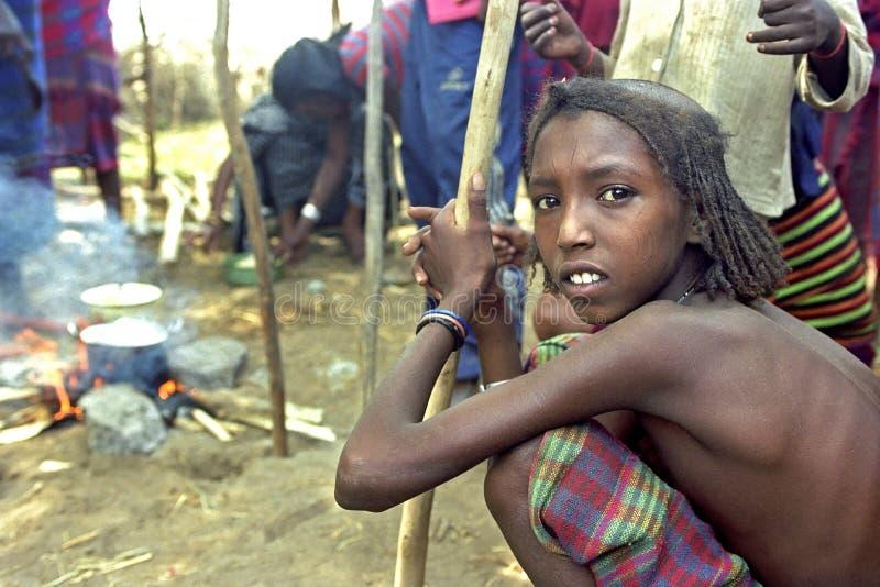 Överhängande svält i avlägset vid klimatförändring fotografering för bildbyråer
