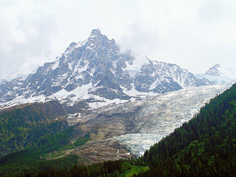 Överkant av det Aiguille du Midi berget royaltyfri fotografi