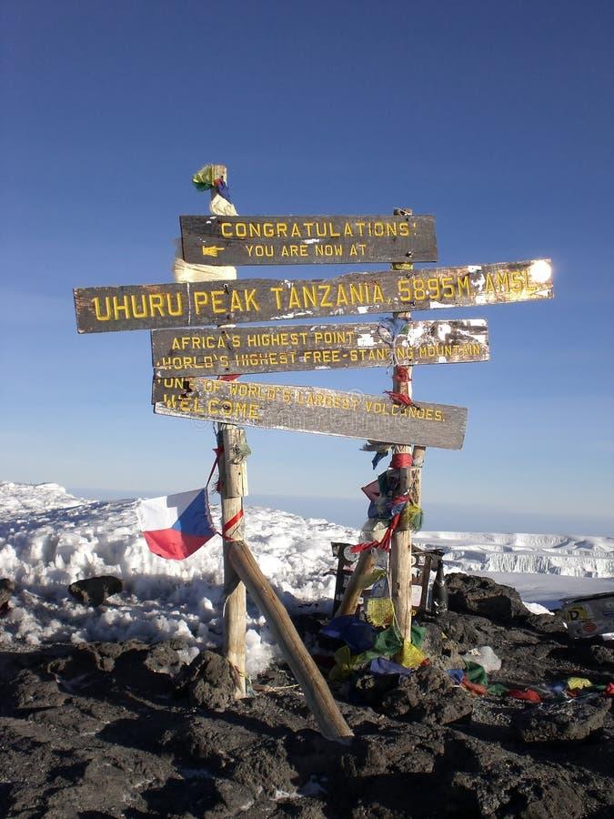 överkant för tak för africa kilimanjaromt arkivfoton