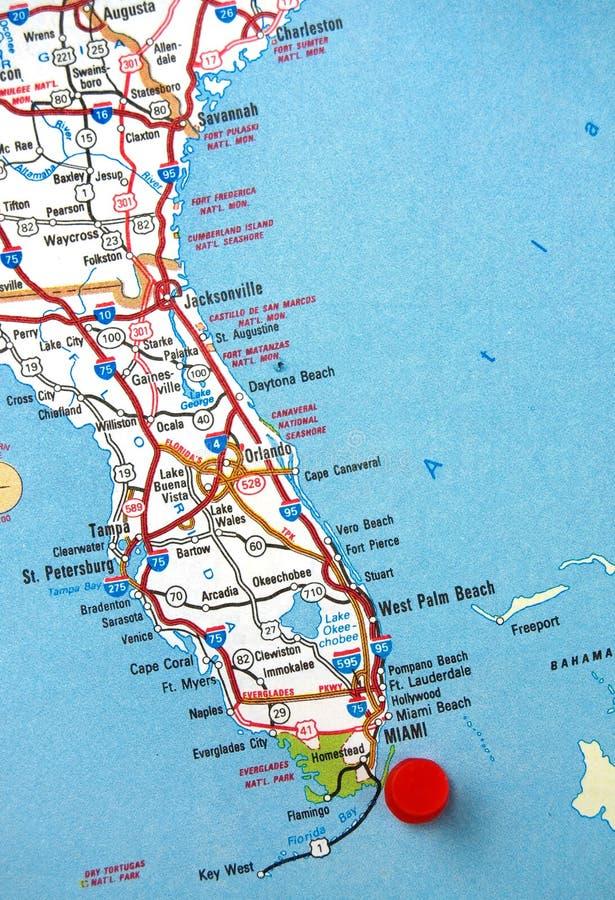 Översikten av det Florida tillståndet med Miami identifierade med en röd prick royaltyfria foton