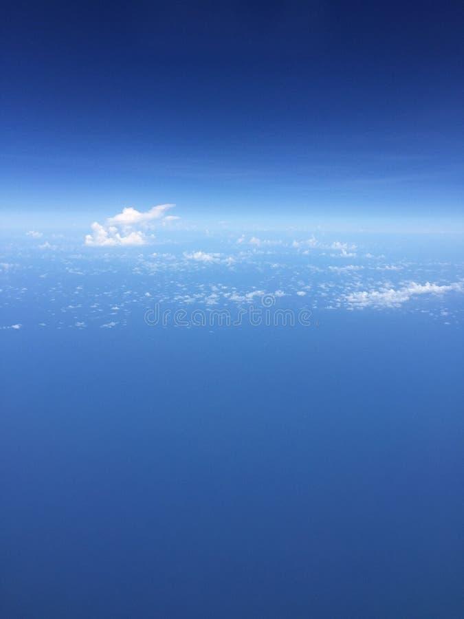 Överst av molnen fotografering för bildbyråer