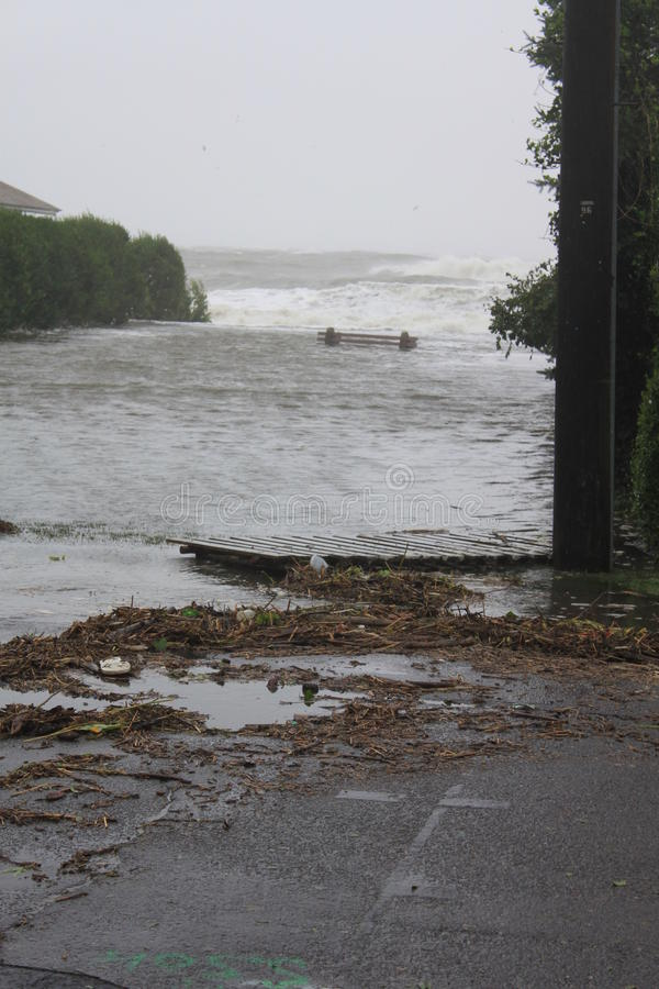 översvämmad strand arkivbilder